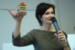 Mgr. Erika Konupčíková s modelem domu pracovní schopnosti